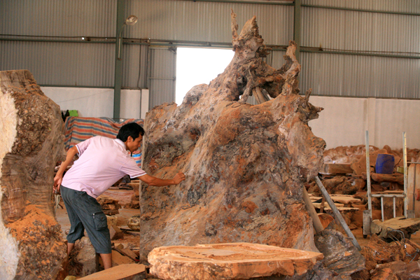 dong giao wood carving village