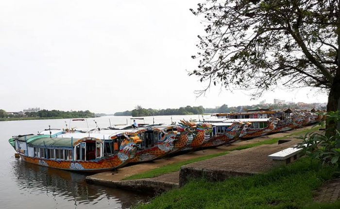 perfume river boat wharf