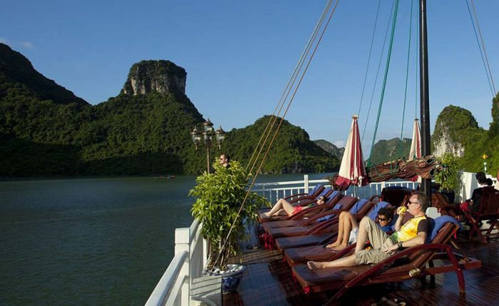 pelican cruise halong bay