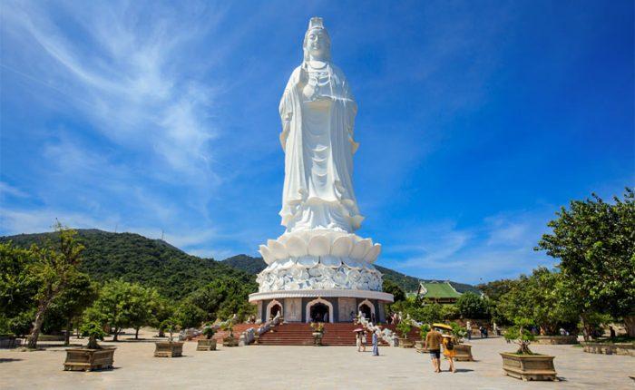 buddha statue in Son tra