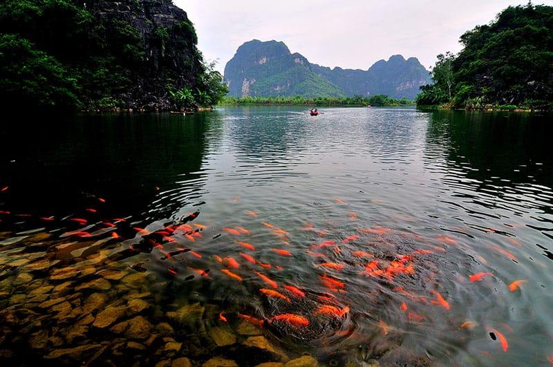 trang an lake river